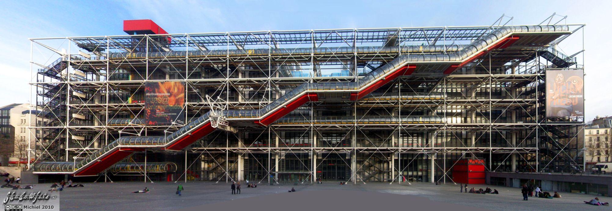 utilisation blaireau pour monter sa mousse -  Bol ou FL Pompidou-centre-front